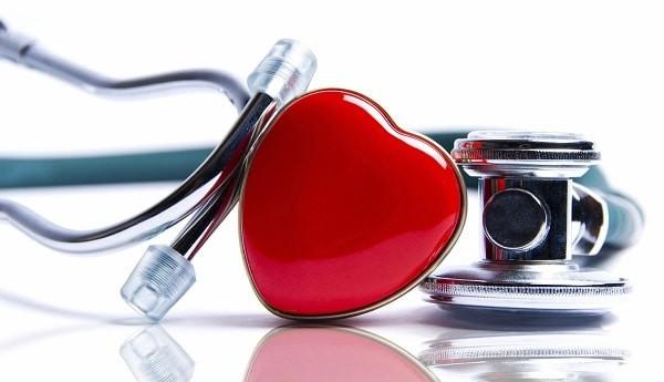 Ống nghe là một công cụ không thể thiếu để chẩn đoán bệnh lý gây âm thổi tại tim