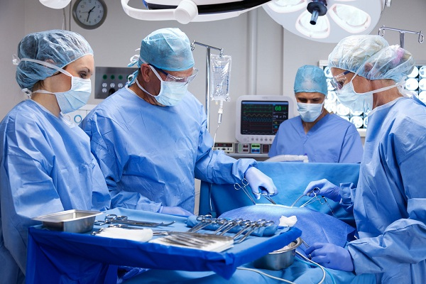 Bác sĩ có thể phải phẫu thuật nếu bạn bị đứt gân Achilles