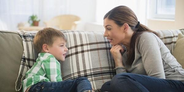 Cha mẹ cần ghi nhận và khuyến khích những hành vi tích cực của trẻ