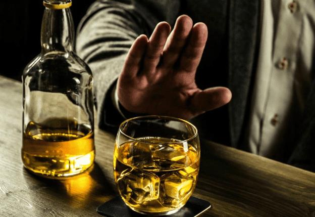 Người bị rối loạn bùng phát gián đoạn cần kiêng rượu bia, chất kích thích