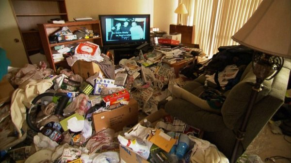 Giữ lại quá nhiều đồ đạc cũng là một triệu chứng rối loạn tích trữ
