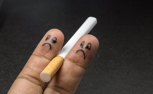 Hút thuốc lá là nguyên nhân gây ra tình trạng phụ thuộc nicotine và nhiều vấn đề khác liên quan đến sức khỏe