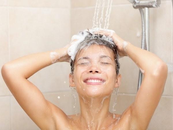 Tắm hằng ngày sạch sẽ