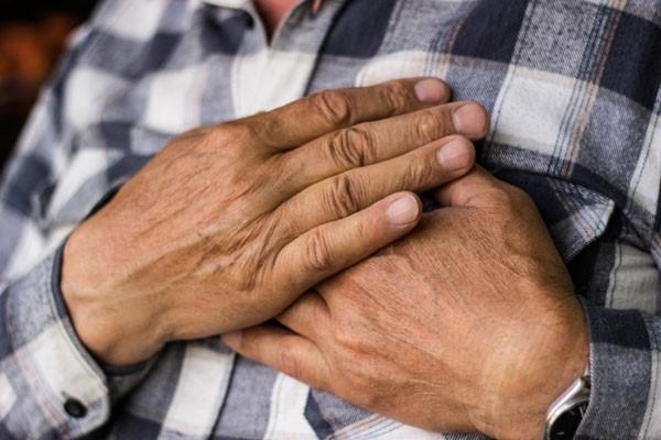 Người mắc bệnh tim cần bổ sung loại vitamin này