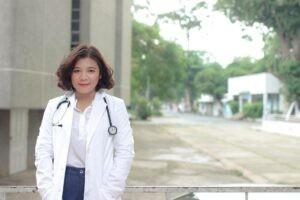 Bác sĩ Lê Mai Thùy Linh