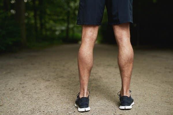 Bắp chân bình thường so với bắp chân to cơ