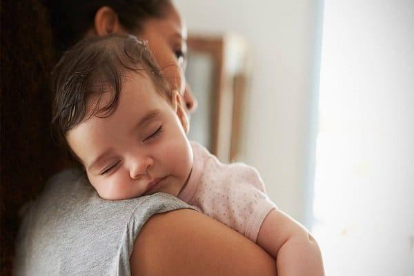 Giấc ngủ của trẻ 8 tháng tuổi