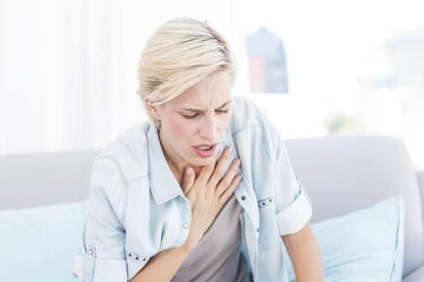 Khó thở là triệu chứng thường gặp