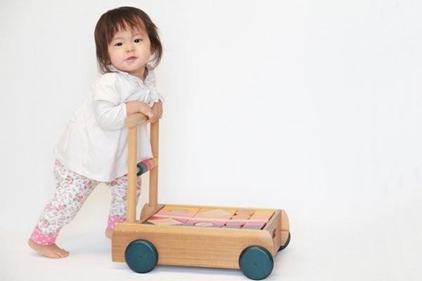Những điều cần biết về sự phát triển và cách chăm sóc trẻ lúc 12 tháng tuổi