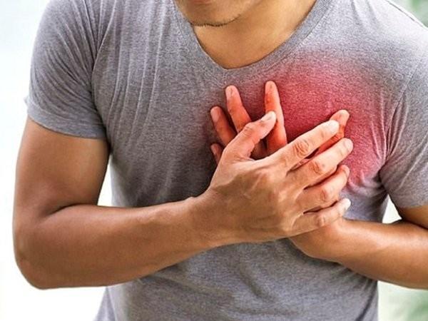 Nếu có vấn đề về tim, bạn cần báo với bác sĩ trước khi uống thuốc