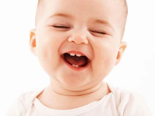 Trẻ đã bắt đầu mọc răng