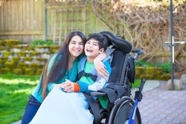 Những bệnh nhân loạn dưỡng cơ cần phải được nhận sự quan tâm của gia đình