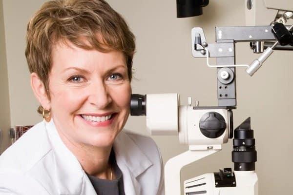 Bác sĩ chuyên khoa Mắt