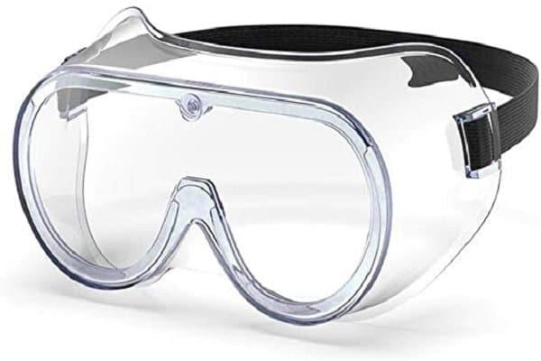 Mang kính bảo hộ mắt khi cần thiết