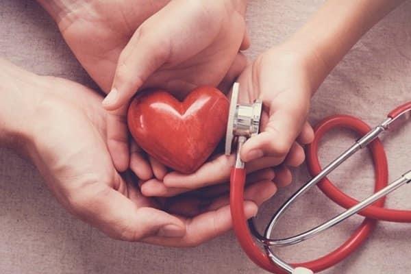 Nước dừa hỗ trợ sức khỏe tim mạch