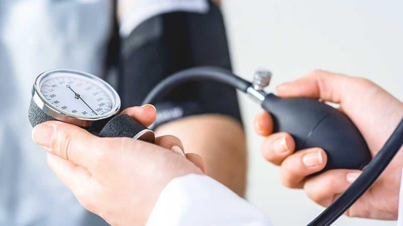 Hạ huyết áp là một trong những triệu chứng quá liều Chloramphenicol