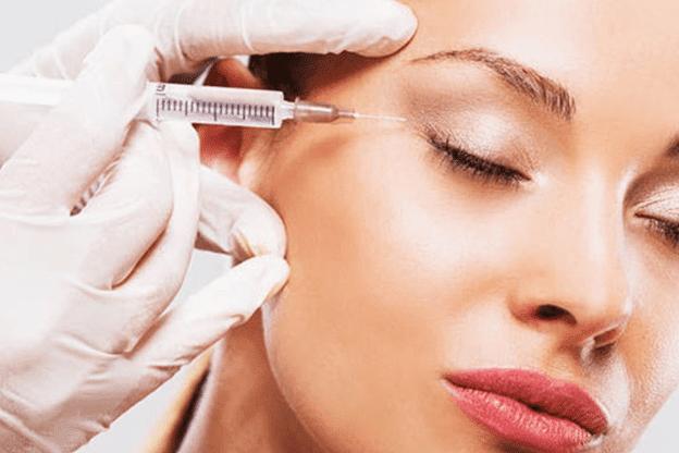 Tiêm botox làm giảm co thắt các cơ trên mặt