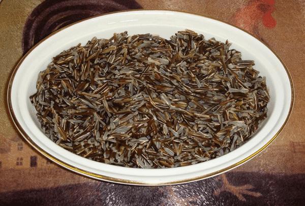 Hạt của cây Niễng nấu thành cơm