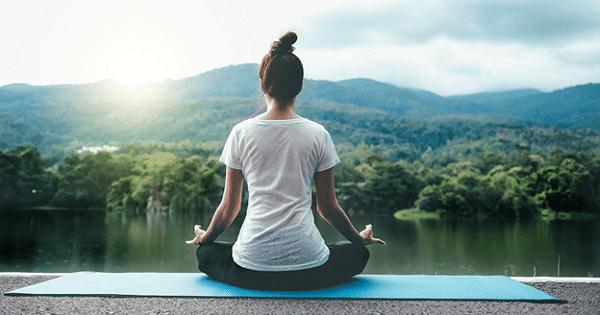 Yoga giúp cải thiện sức khỏe, giảm đau đầu