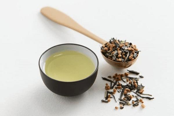Hướng dẫn cách thưởng thức trà gạo lức