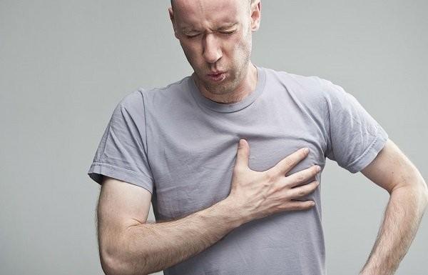 Tràn khí màng phổi có hai nguyên nhân nguyên phát và thứ phát