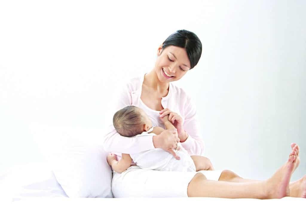 Có thể cho trẻ bú mẹ đến 2 tuổi.