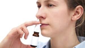 cách dùng nước biển xịt mũi sterimar