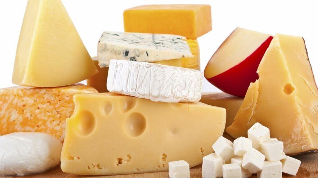 Phô mai là các sản phẩm làm từ sữa
