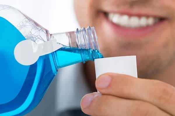 Khi cuộc yêu kết thúc, bạn cũng đừng quên vệ sinh răng miệng thật sạch
