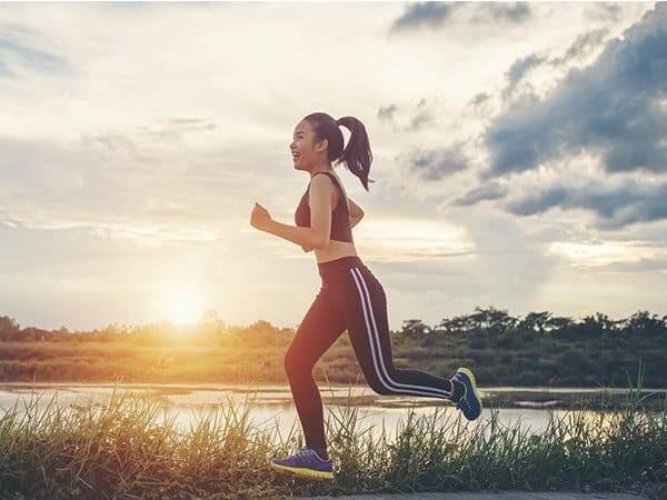 Chạy bộ thường xuyên giúp giảm tim đập nhanh tại nhà