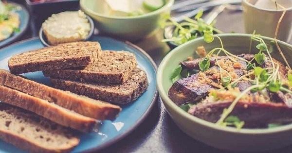Đường chính là một trong những loại thực phẩm mà bạn cần hạn chế sử dụng