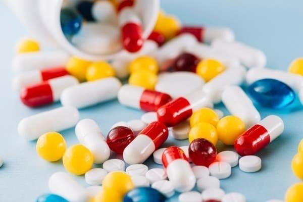 Lưu ý về liều lượng và đối tượng sử dụng thuốc Diacerein