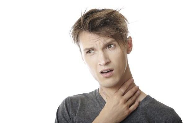 Khàn giọng là dấu hiệu ung thư giáp thường gặp