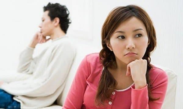 Hành động cử chỉ có thể tiết lộ cho bạn biết con gái đang nghĩ gì?