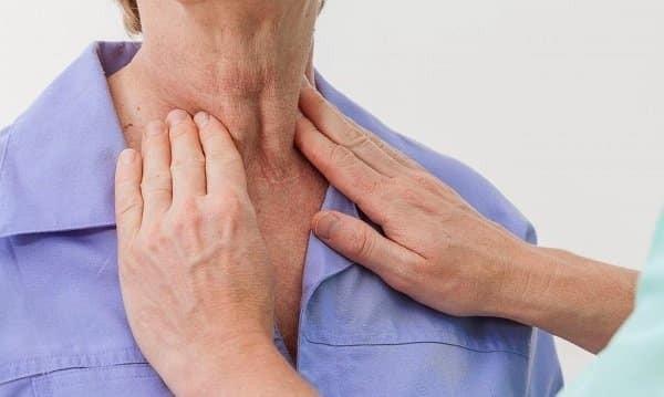 Cần thăm khám bác sĩ ngay khi có triệu chứng nổi hạch ở cổ để tìm rõ nguyên nhân