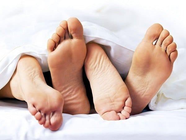 Các tác nhân gây bệnh lây truyền qua đường tình dục là nguyên nhân thường gặp gây nổi hạch vùng háng