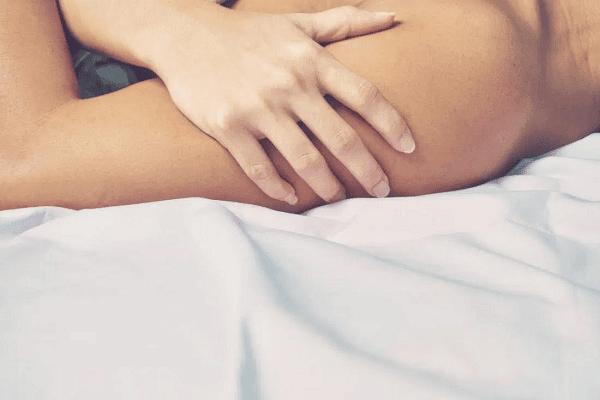 Quan hệ tình dục an toàn.