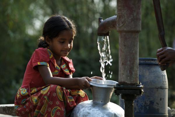 Các nguồn nước giếng khoan thường có nhiễm Thạch tín