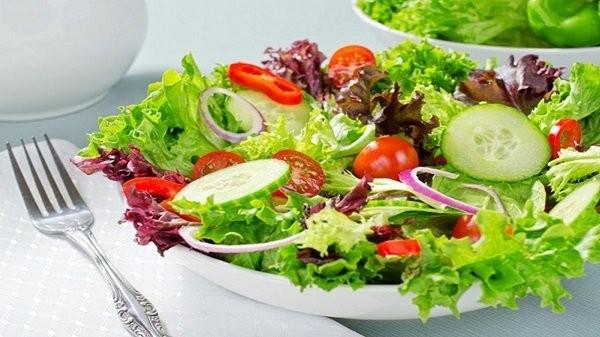 Salad chắc chắn cũng không thể thiếu trong thực đơn keto rồi