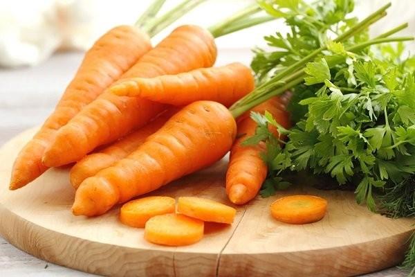 Carotemoid chứa trong cà rốt được cho là ngăn ngừa sự phát triển của tế bào ung thư vú