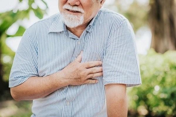 Xơ hóa động mạch dẫn đến các cơn đau tim, đột quỵ ở người cao tuổi
