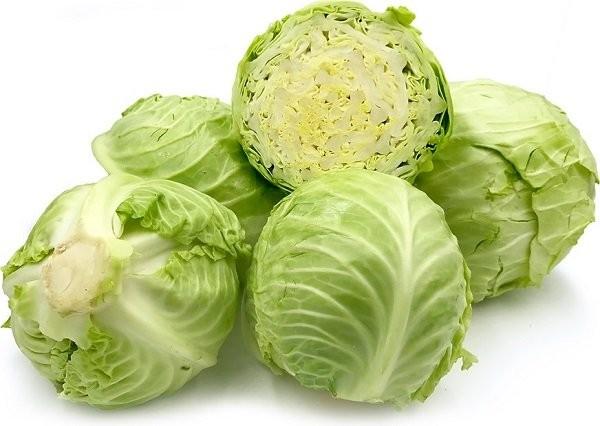 Bắp cải cũng là một loại thực phẩm giàu vitamin K tự nhiên