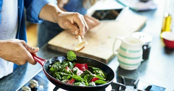 nấu chín thực phẩm tránh ngộ độc thực phẩm