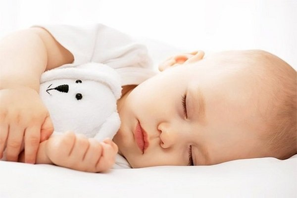 Bé nên ăn gì để có một giấc ngủ sâu và ngon hơn?