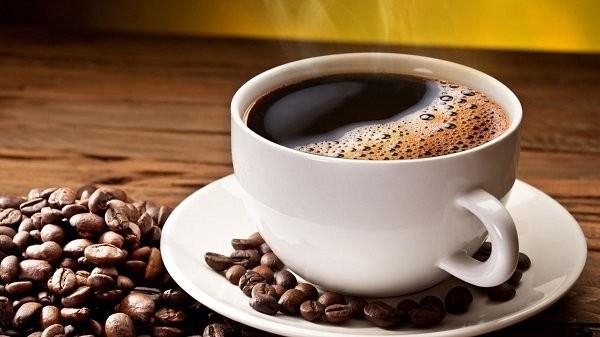 Cà phê là thực phẩm nên tránh khi hành kinh