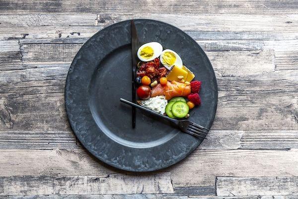 Chế độ dinh dưỡng nhịn ăn gián đoạn