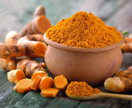 Nghệ là thực phẩm trắng da nhờ hoạt chất curcumin làm giảm sắc tố melanin