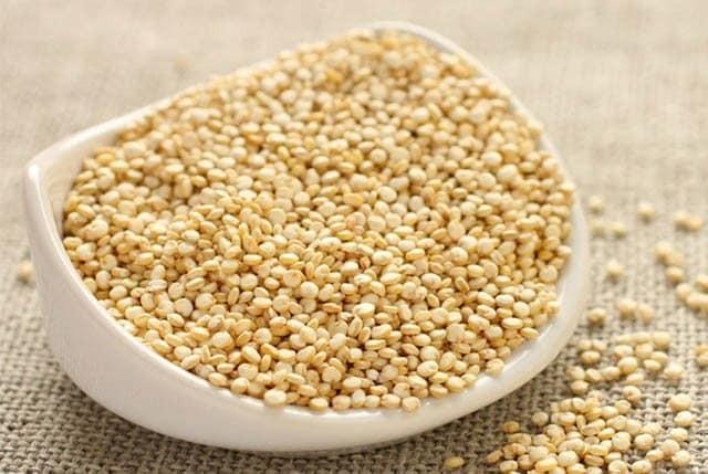 Quinoa cung cấp 9 loại acid amin cần thiết mà cơ thể bạn không thể tự tổng hợp được.