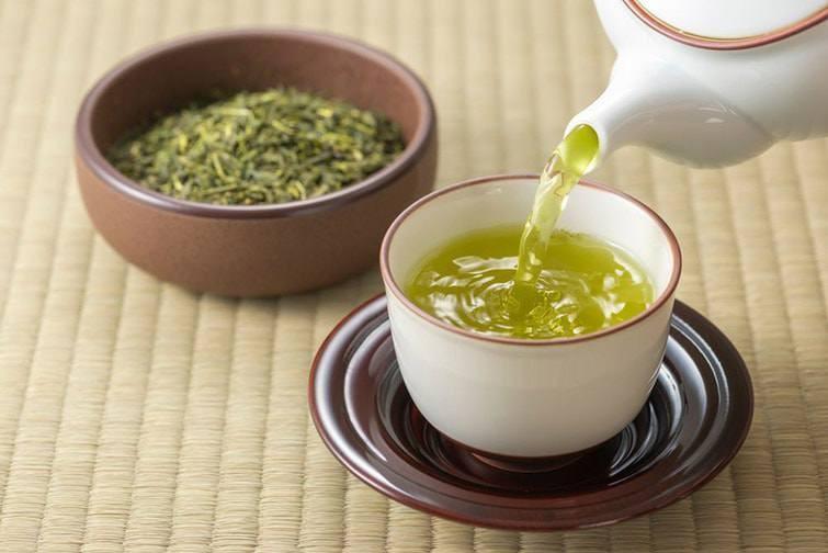 Ngoài tác dụng chống lão hóa, trà xanh còn được mệnh danh là thực phẩm trắng da