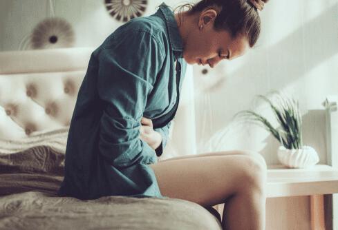 Cơn co thắt ở bụng khi mang thai và tiền kinh nguyệt có khác nhau không?